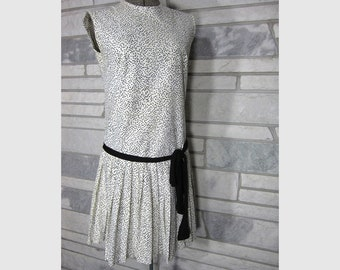 1960s Vintage Dress 1920s Style Drop Waist small medium flapper mod 60s shift 20s dress