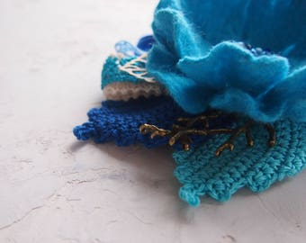 Felt flower brooch-Felt flower pin -felted wool flowers-Felted brooch-wool flowers-Felted gift women- blue- turquoise-ready to ship