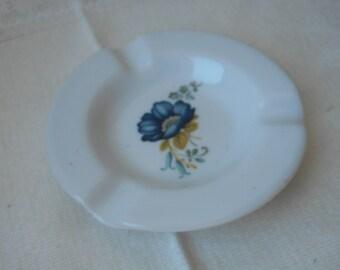 stunning vintage Limoges porcelain round shaped table ashtray