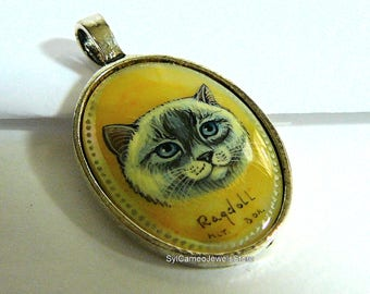 Hand Painted Ragdoll Cat Cameo Pendant Mother Of Pearl Art Jewelry SylCameoJewelsStore