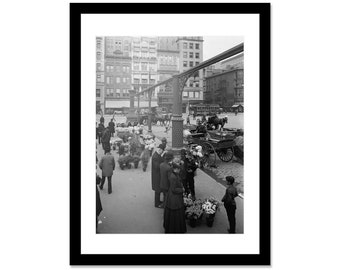 Black and white photo of the flower market of union square in New York in 1905