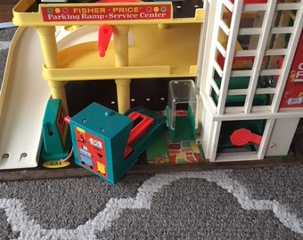 Fisher Price Little People Play Family Garage Girls Cars Ramp