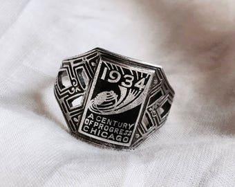 World's Fair Ring Sterling Silver 1934. A century of progress Chicago expo collectors memorabilia black enamel 1930s Art Deco souvenir