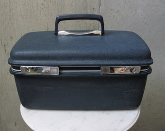 Samsonite Traincase Blue Silver Makeup Tray Keys Lock Vintage 1960s Travel Overnight Suitcase