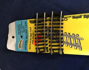 "HO scale 4-sections 1/3-18"" radius track"