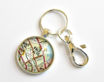 College Map Keychain, Personalized College Gift, College Grad Gifts, Graduation Gift for Best Friend, Graduation Keychain, Going Away Gift