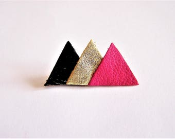 Pin 3 triangles of black leather varnish, gold and hot pink