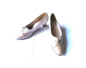 Oxfords Shoes Heels Tie Beige Leather Fabric Size 7