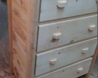 4 Drawer Dresser - Log White Pine