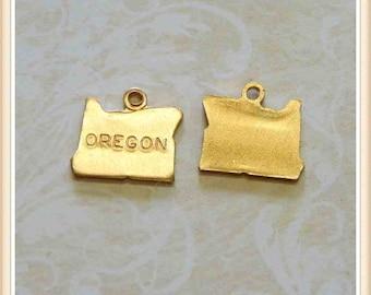 Oregon 12 pcs raw brass state charm OR