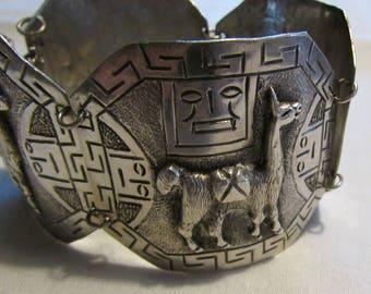 900 Silver Link Bracelet with Llama Designs