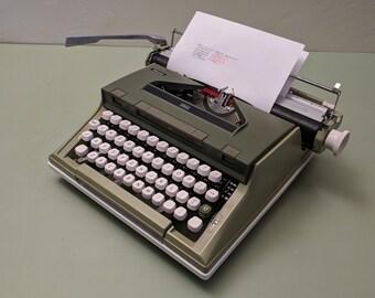 Messa 2002 Manual Typewriter