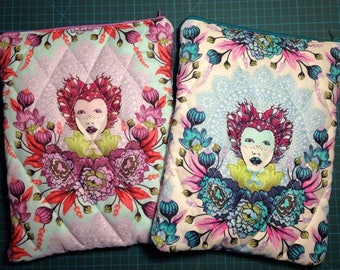 Book pouch / sleeve / Kindle case / iPad case