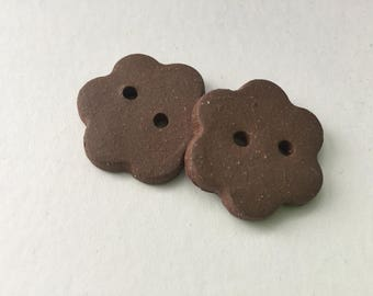 Ceramic clay flower buttons: Mocha brown clay handmade buttons.