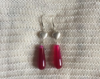 Unique fuchsia and sweetheart earrings in silver