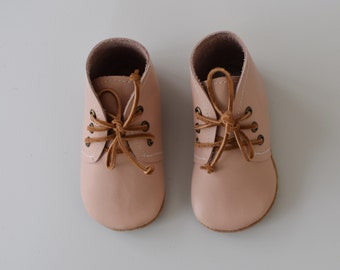 desert boot / soft sole shoes / blush