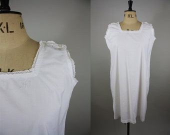 1920s Cotton Nightgown/ 30s White Nightdress / Size Large / Cotton Smock / Button Shoulder / Handmade Lace / L XL XXL