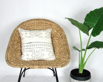 White Mudcloth Pillow Cover /African Textile Bogolanfini Minimalist Geometric Ethnic Black White Cream Throw Cushion Organic Textile Neutral