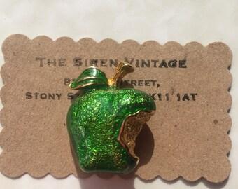 Vintage green apple 60s 70s glitter metal enamel kitsch fruit brooch