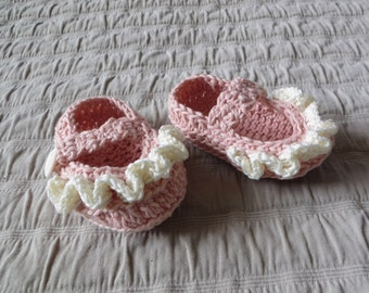 Baby booties, 6-12 months,  hand crocheted, mary janes, cotton/linen yarn, baby shower gift