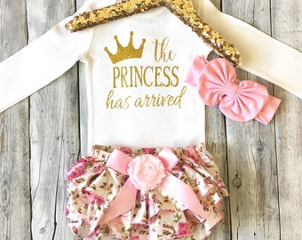 The Princess has Arrived outfit, Baby girl, Newborn girl, Coming home outfit, Hospital outfit, Baby shower gift, Princess has Arrived, girls