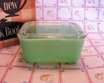 Jadeite Refrigerator Dish w/ Clear Glass Lid by McKee 1950's