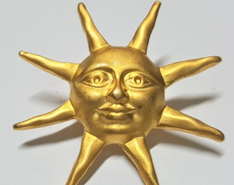 Vintage Brushed Gold Toned Smiling Sun Face Lapel Pin Sun Jewelry Charms Sun face Brooch Fantastic piece Summer gift Sun Smile Brooch