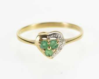 10K Emerald Cluster Heart Diamond Accented Ring Size 5.75 Yellow Gold
