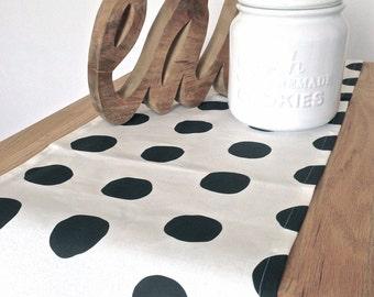 TABLE RUNNER- Linen, Cotton, Linen-cotton blend, Modern, Black, White