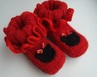 Baby girl boots with Minnie Mouse, 3-6 months, Knitted baby boots, Newborn Baby shoes, Baby girl booties, Toddler slippers, Shower gift