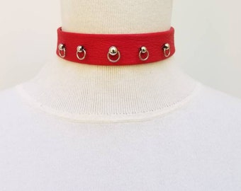 Red choker and Ball