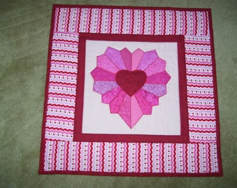 St. Valentine's Day wall quilt-Heart quilt-Dresden plate design wall quilt-Machine appliqued and quilted