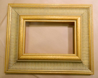 """Ready to Ship - Beautiful 5 x 7"""" Wide Gold Picture Frame"""