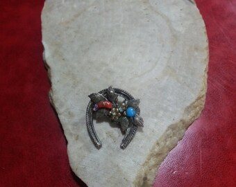 1949 Coro Horseshoe Shaped Pin Coral and Turquoise