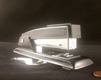 Vintage Mid Century Retro Office Desk Supplies Stapler Black Swingline 711 with Staple Remover USA