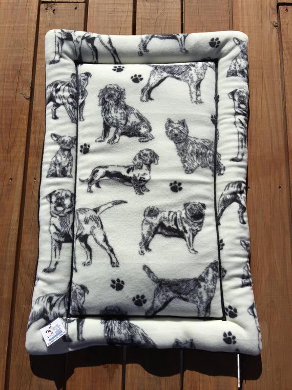Black and White Dog Bed, Dog Crate Bedding, Dog House Pads, Kennel Liner, Dog Carrier Pad, Pet Bed, Puppy Bedding, Large Crate Mat, Dog Mat