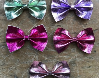 Metallic pastel leather large classic bows