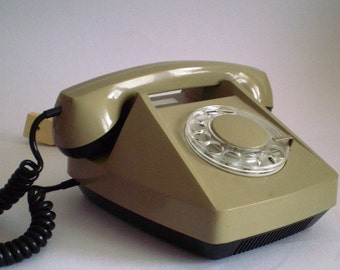 1977s Telephone Vintage Square  with rotarional numerals