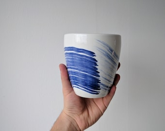 Ceramic Modern Vase // Blue and White // Totally Handmade ( NO MOLD USED)