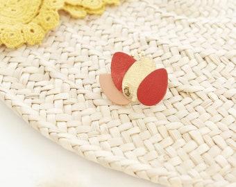 Broche lotus fleur terracotta pêche rose et or { bijou femme féminin poétique moderne romantique fantaisie enfance }