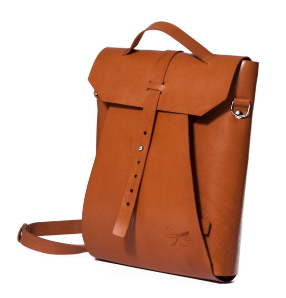 Leather Laptop bag and backpack. Vintage bag by Ludena. Ideal companion for going to work or for going out with friends.