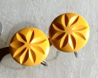Bakelite Carved Earrings Sunflower Butterscotch Antique Art Deco Early Century Hand Carved Button SB Earrings 1920's 1910's Screw Backs