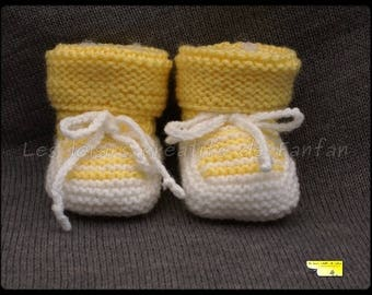 Chausson baby yellow and white knit