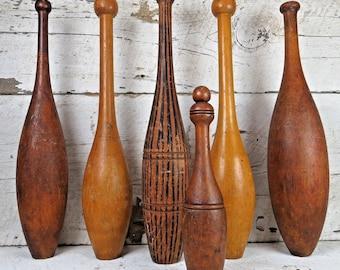 Antique Vintage Set de 6 en bois jonglerie exercice Clubs Pins cirque poids quilles