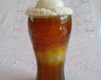 Root Beer Float Candle ©