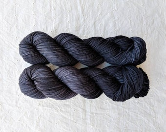 Styx - solid/semisolid charcoal grey neutral DK yarn on ORPHEUS 100% SW Merino dk - ready to ship!