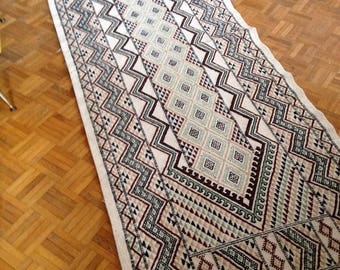 Rectangular rug made of wool - Africa