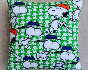 """Vintage 1970s Snoopy Novelty """"Peanut's"""" Fabric Cushion Complete With Interior 40cmx40cm"""