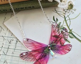 NEW Pretty in pink rainbow Faerie wings small Necklace