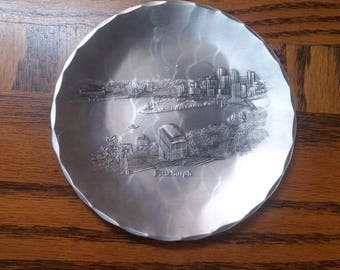 Wendell-August-Forged-Metal-Plate-Collectible-8-7-8-034-Pittsburgh-Skyline